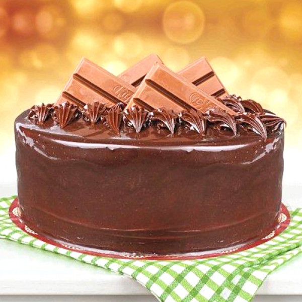 2lbs Kitkat Chocolate Cake from Bread Beyond